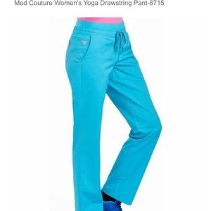 Med couture 8715T yoga pant scrubs